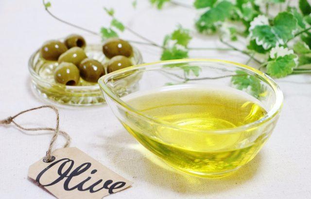 【美容食】美肌作りにオリーブオイルを活用!!肌荒れや便秘に効いて、ダイエット効果も!!!!